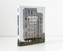 Nicolas Grospierre, Modern Forms. A Subjective Atlas of 20th Century Architecture. Wydawnictwo Prestel, w księgarniach od 1 marca 2016.