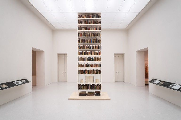 Maria Eichhorn, Unlawfully acquired books from Jewish ownership, installation view, Neue Galerie, Kassel, documenta 14, © Maria Eichhorn/VG Bild-Kunst, Bonn 2017, photo: Mathias Völzke